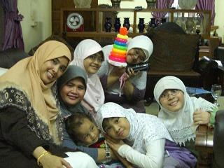 Arwa dan keluarganya