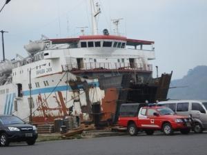 Kapal diperbaiki menjelang Lebaran