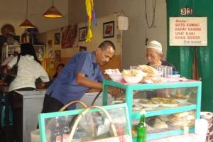 Soto Kuning van Bogor di Suryakencana