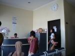 Klinik Mitra Husada yang selalu dipenuhi pasien