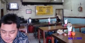 Sate Kambing Empuk, Sop kambing juga empuk. Terletak di jalan Duren Tiga, Mampang.