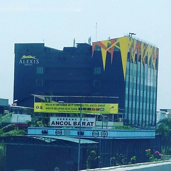 Alexis Hotel Jakarta.jpg